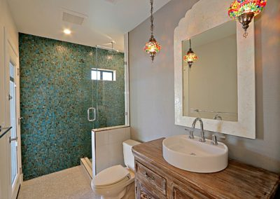 Arcadia Ranch l Guest Bath